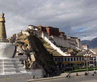 С начала года Лхасу посетили более 8,17 млн туристов