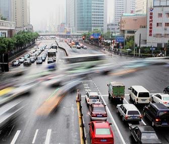 В Поднебесной замедлился рост продаж автомобилей