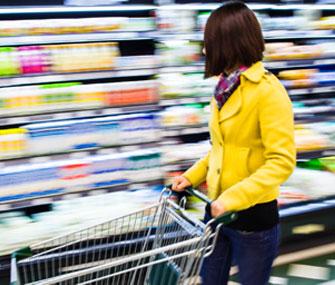 Объем розничной торговли в Поднебесной вырос на 10,2%