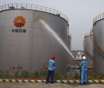 Увеличились складские запасы нефти Поднебесной