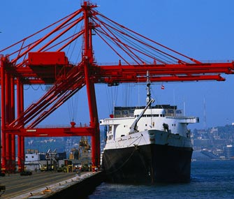 Китайские порты нарастили грузооборот на 13,5%
