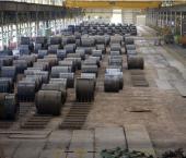 Промышленное производство в Китае снизилось на 13,5%
