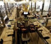 В Китае открылся первый ресторан с официантами-роботами