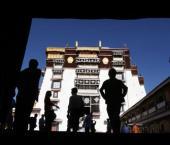 В 2010 г. китайский Тибет посетили более 6 млн туристов